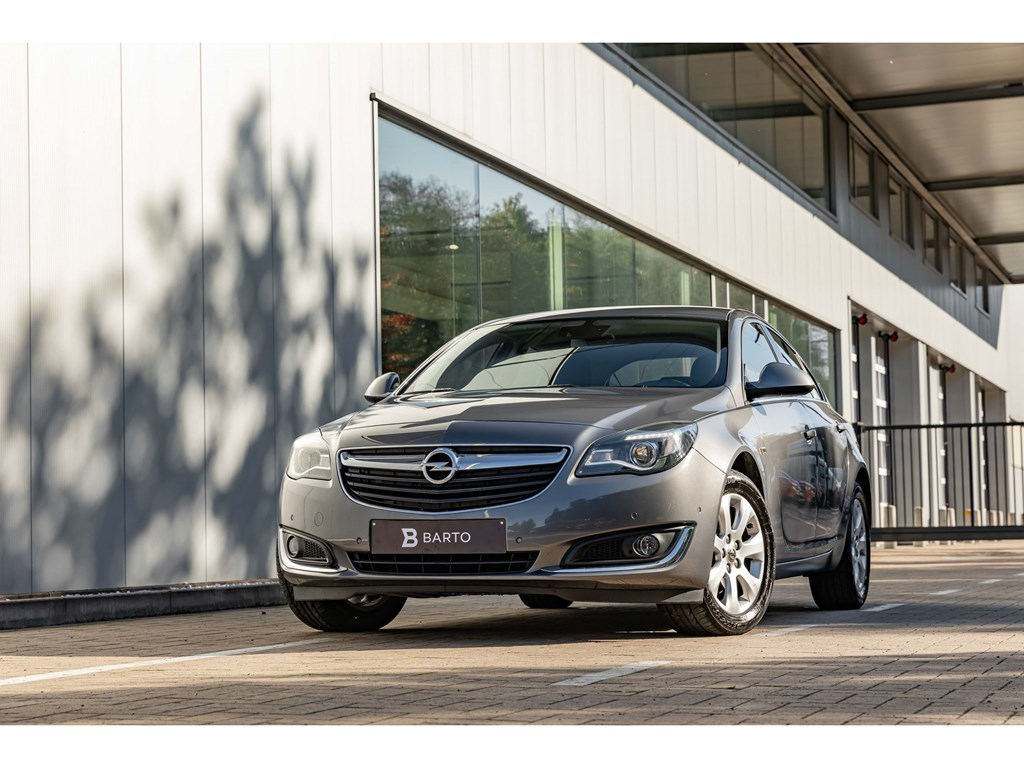 Tweedehands te koop: Opel Insignia Grijs - 16Turbo benz 170pkCosmoDodehoeksensCameraAuto Airco