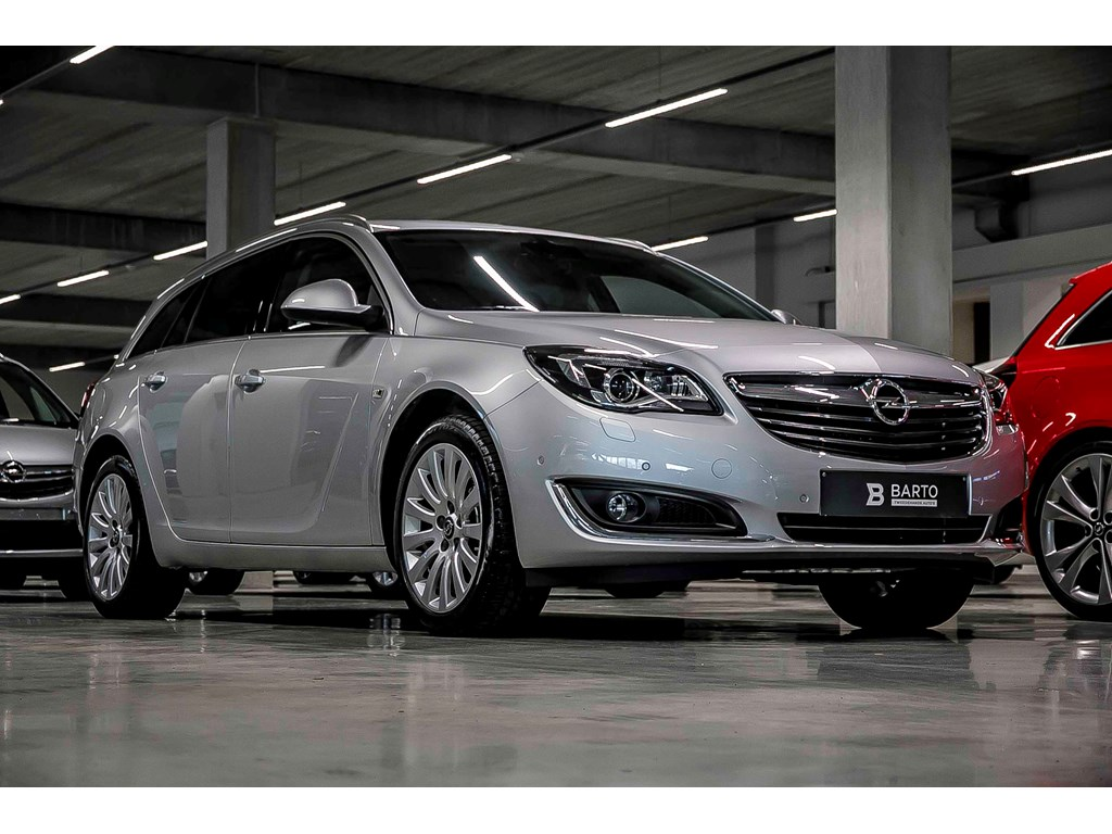Opel-Insignia-Zilver-ST-16T-170pk-Autom-Cosmo-Xenon-Ergon-Zetels-Camera-Dodehoeksens