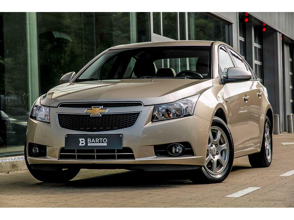 Tweedehands te koop: Chevrolet Cruze Beige - 20 Diesel 163pk - LS - Leder - Airco - Cruiscontr -