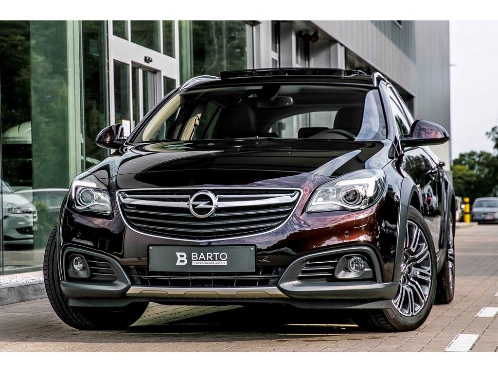 Tweedehands te koop: Opel Insignia Bruin - Country Tourer - 20 Turbo 250pk Autom - Panor Dak - Leder - Xenon -