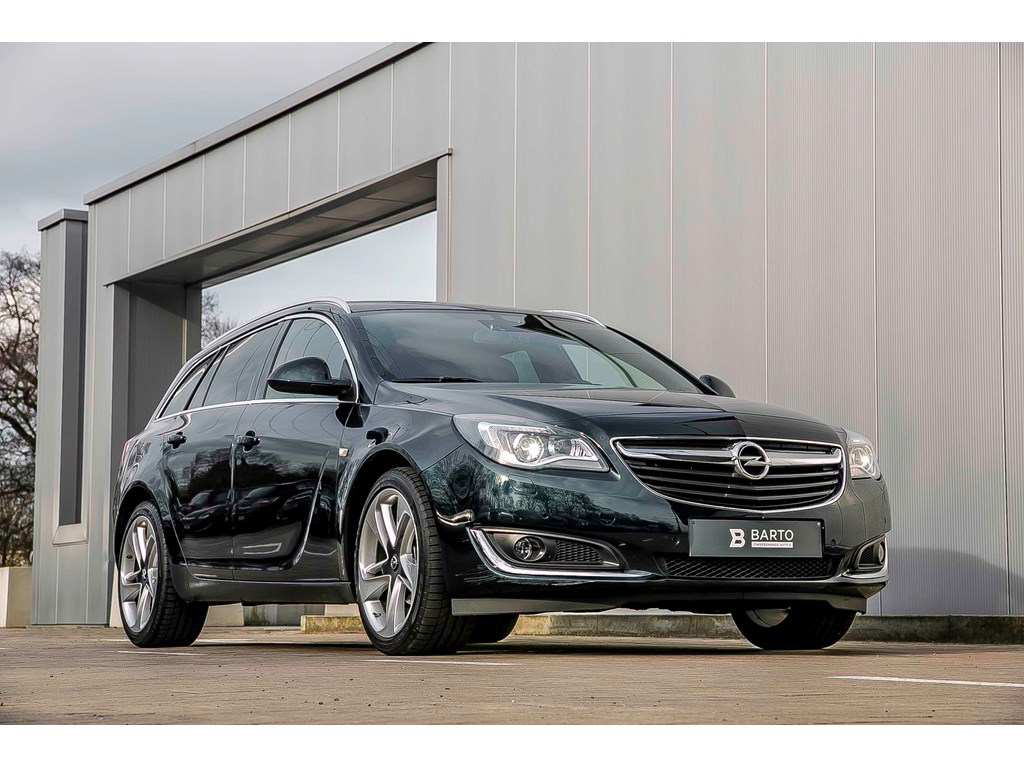 Opel-Insignia-Groen-ST-Cosmo-OPC-pack-Xenon-leder-Electr-Koffer-19-Digit-display