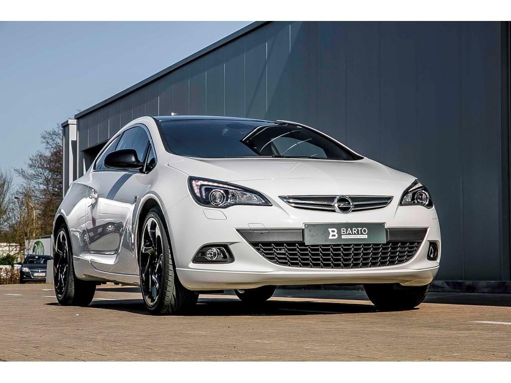 Tweedehands te koop: Opel Astra Wit - GTC 14 Turbo - OPC line int ext - Navi - Leder - Xenon - 20 wielen