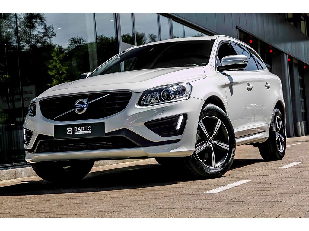 Tweedehands te koop: Volvo XC60 Wit - D5 220pk AWD - R design - Panor dak - Xenon - Camera - Navi