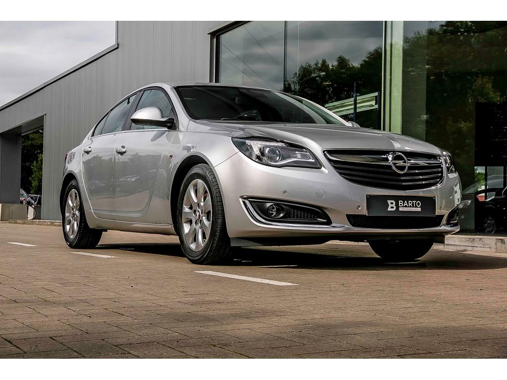 Tweedehands te koop: Opel Insignia Zilver - 5 Deurs Edition - Navi - Parksens - Alu velgen - Auto Airco