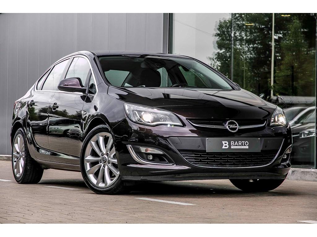 Tweedehands te koop: Opel Astra Bruin - Cosmo - Navigatie - Xenon - Alu velgen - Parksens