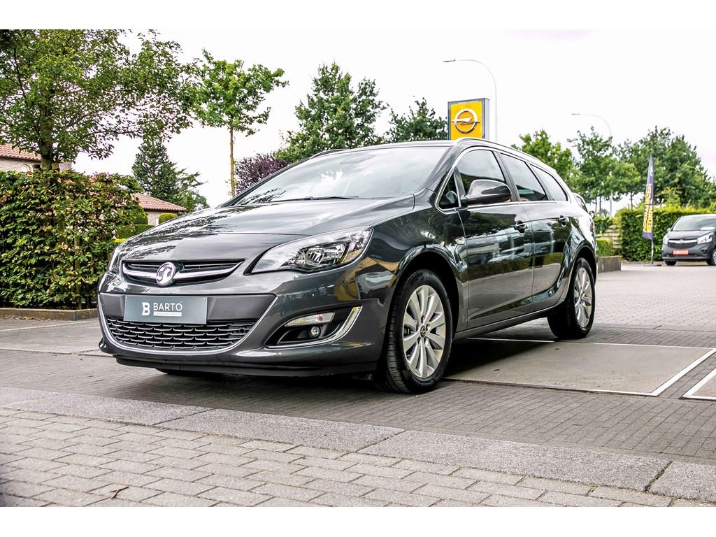 Tweedehands te koop: Opel Astra Grijs - Sports Tourer - Cosmo - 16 Cdti - Navigatie - Trekhaak