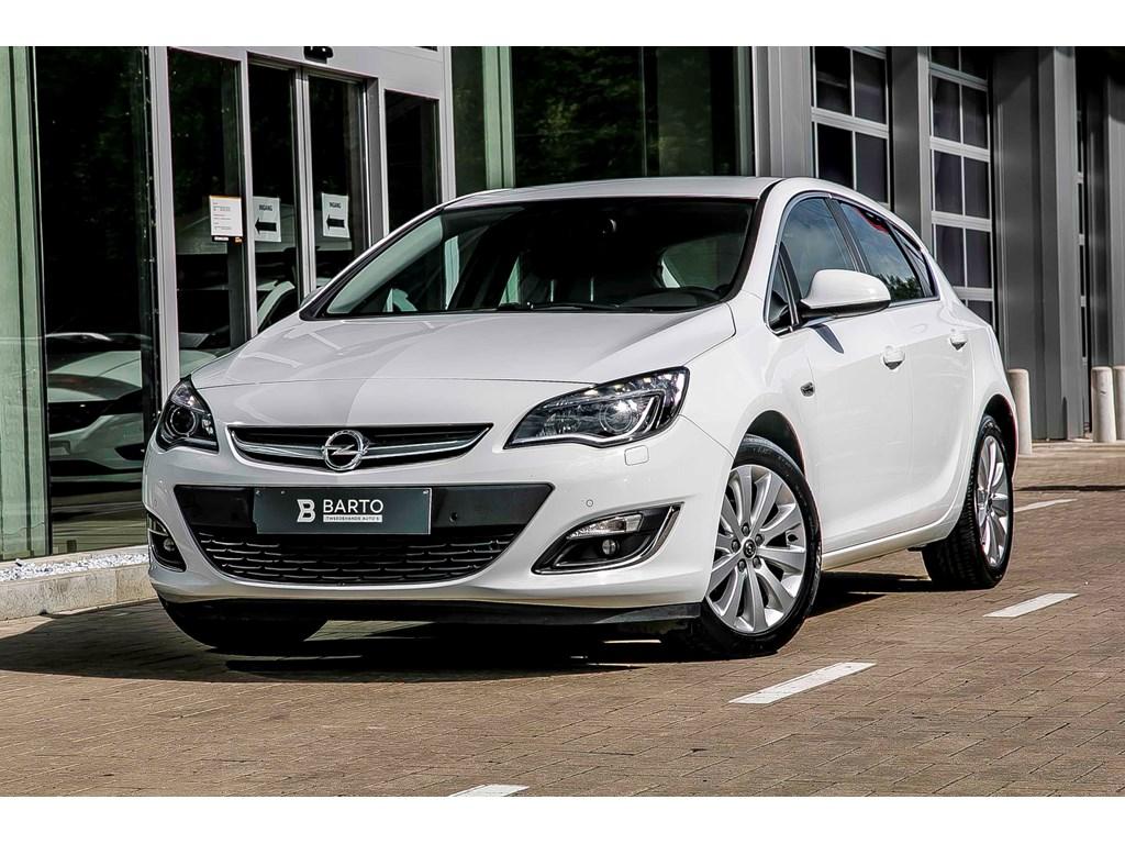 Tweedehands te koop: Opel Astra Wit - 14 Turbo - Cosmo - Leder - Navigatie - Xenon -