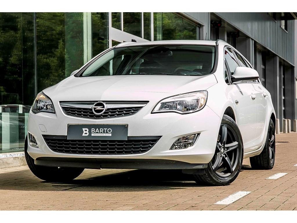 Tweedehands te koop: Opel Astra Wit - ST - 17d - Cosmo - Halfleder - Aut airco - Cruiscontr