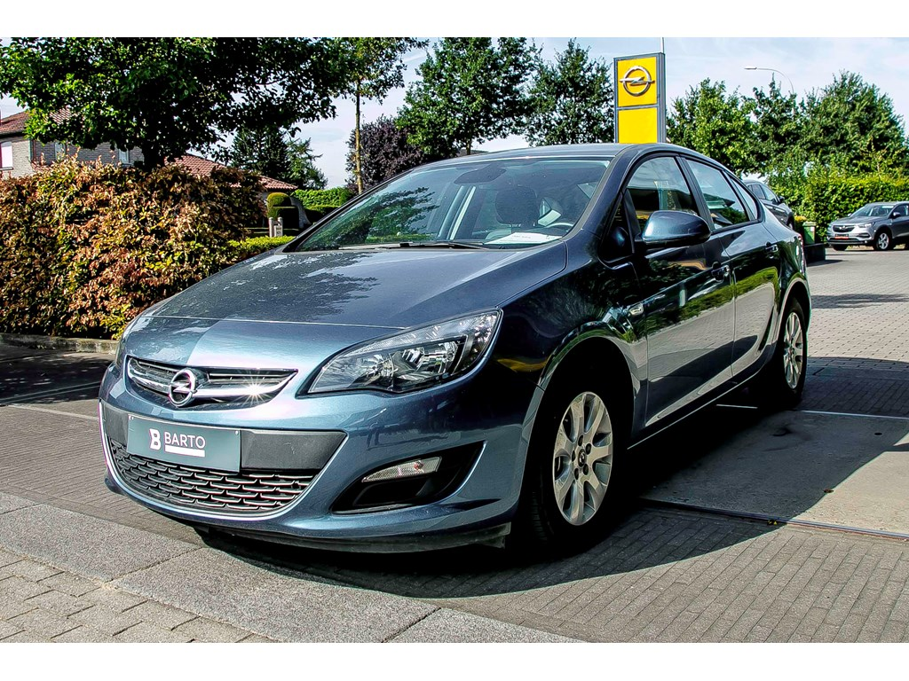 Tweedehands te koop: Opel Astra Blauw - 16d 110pk - Navi - Airco - Bluetooth - Parkeersens