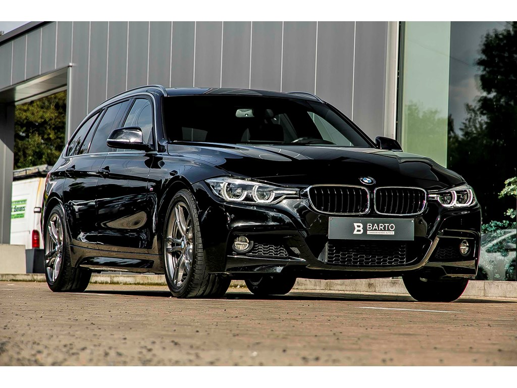 Tweedehands te koop: BMW 320 Zwart - 320 Touring M-Sport - privacy glas - Leder - Pano dak - Prof Navi - electr koffer -