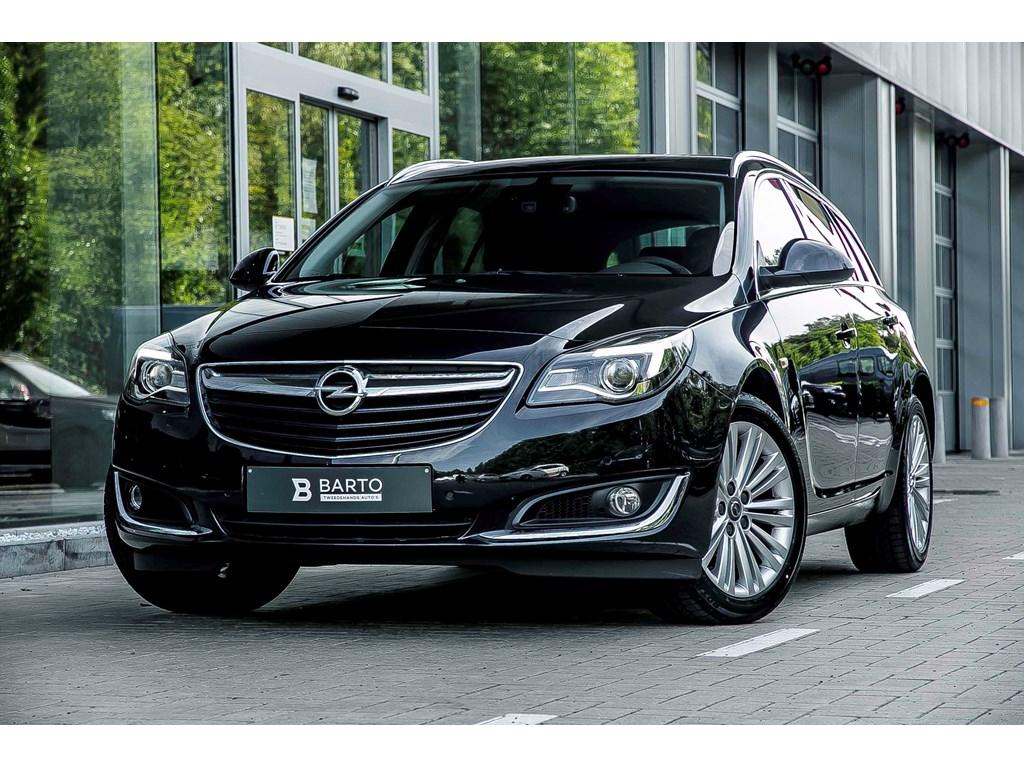 Tweedehands te koop: Opel Insignia Zwart - ST break - 16d 136pk - COSMO - Autom - Erg Leder zetels - Weinig km - Navi - Parkeers