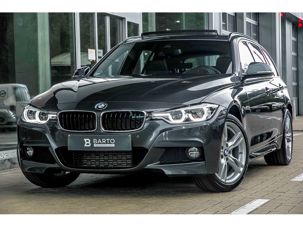 BMW-320-Grijs-190pk-Xdrive-M-Sport-Leder-Shadow-Line-Pano-Open-dak-HeadUp-