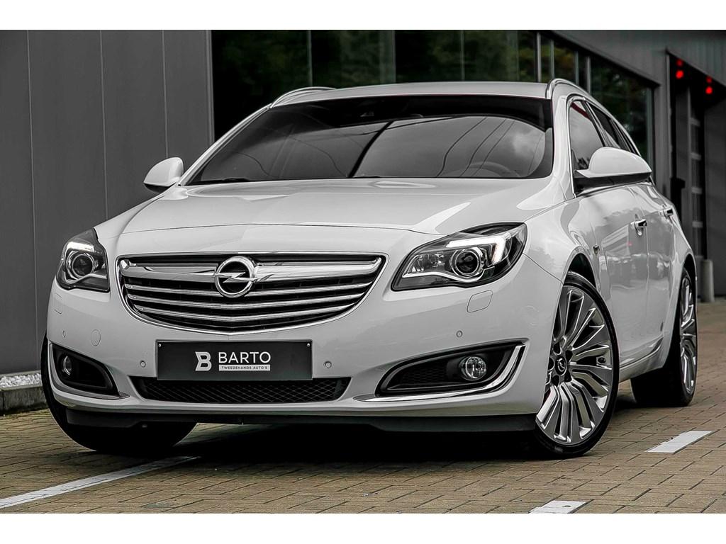 Tweedehands te koop: Opel Insignia Wit - ST - 20d 163pk - COSMO - Navi - Achteruitcamera - 20 - Erg Leder zetels -