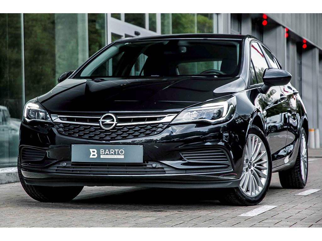 Tweedehands te koop: Opel Astra Zwart - 14b 100pk - Navi - Airco - Parkeersens -