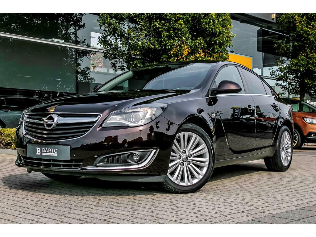 Tweedehands te koop: Opel Insignia Bruin - 5-Deurs Edition 20CDTi 110pk - Navi - Sportzetels - Auto Airco - Parkeersens -