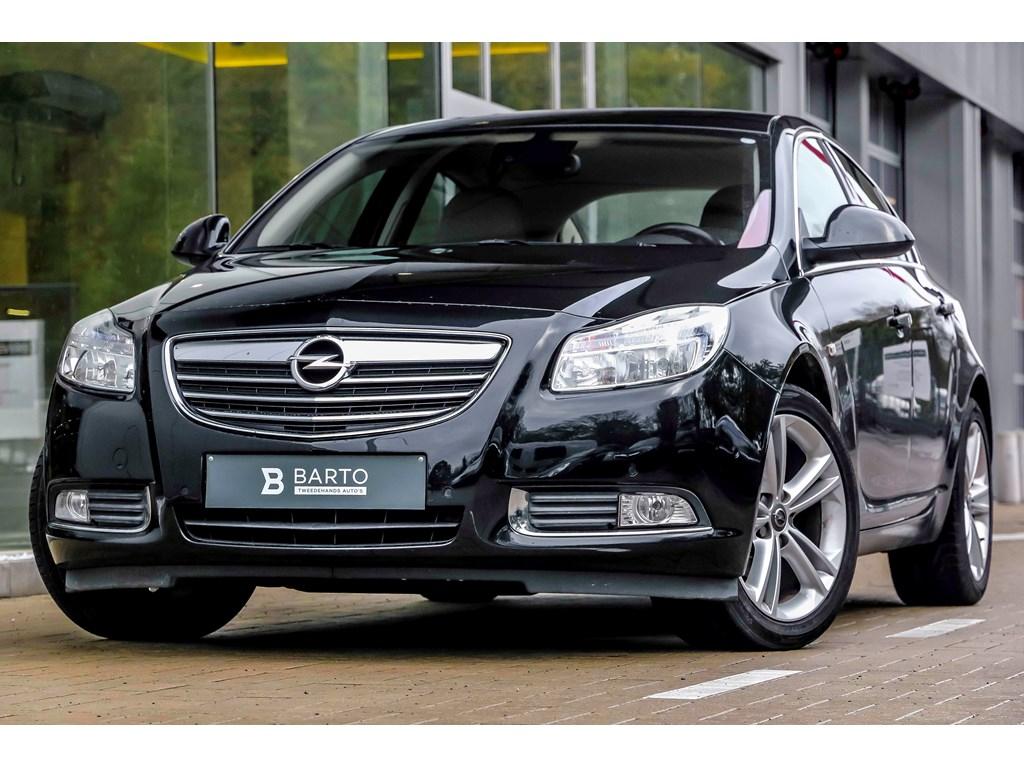 Tweedehands te koop: Opel Insignia Zwart - 20d 130pk - Leder - Navi - Parkeersens - Bluetooth - Cruiscontrole -