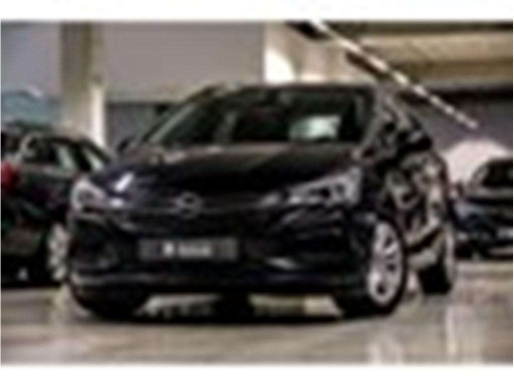 Tweedehands te koop: Opel Astra Zwart - Sports Tourer Edtion 16CDTi 110pk - Navi - Airco - Park Pilot voor en achteraan -