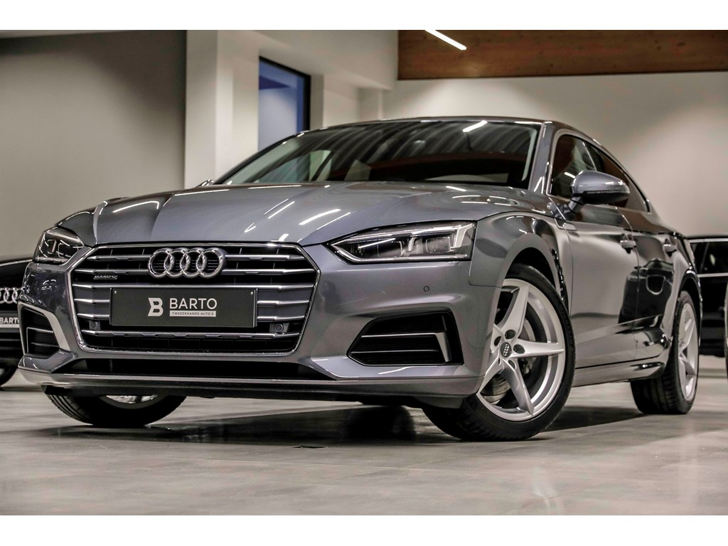 Tweedehands te koop: Audi A5 New Grijs - Sport - 190 pk - Quattro - LED - MMI plus - Leder - Camera - Lane assist