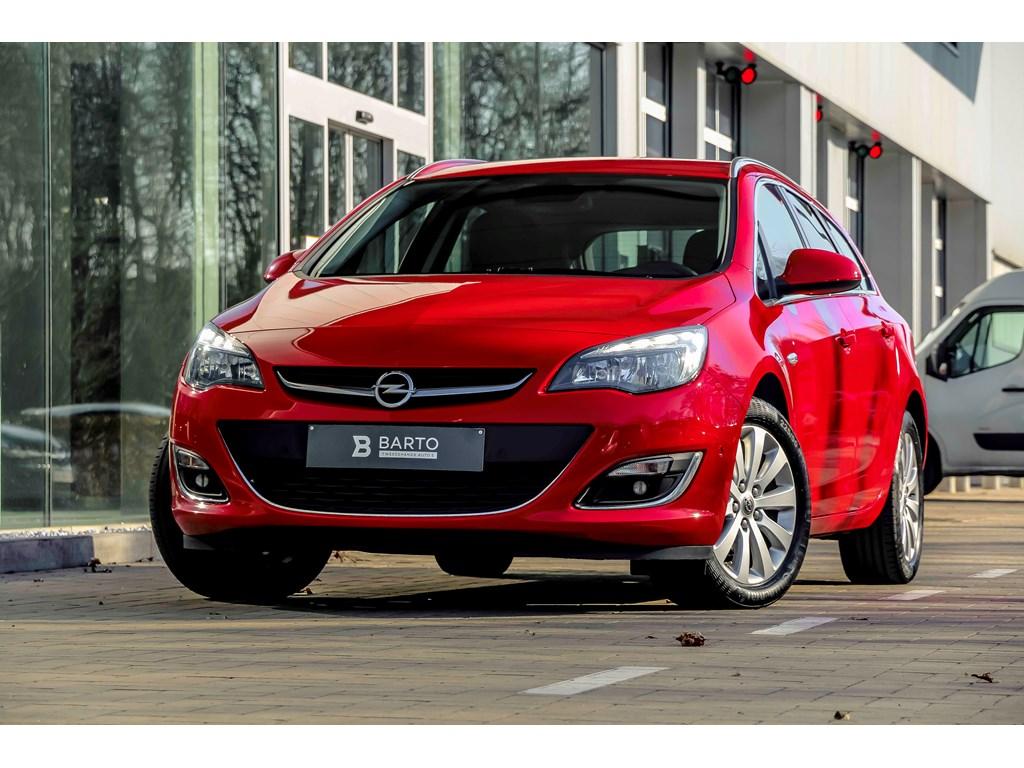 Tweedehands te koop: Opel Astra Rood - 16d 110pk - Navi - Camera - Dodehoeksens - Auto Airco -