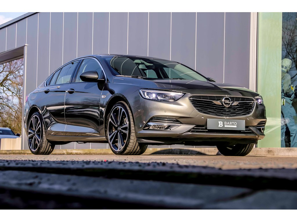 Tweedehands te koop: Opel Insignia Grijs - 170pk - Open Dak - Matrix - 20 Bicolor - Camera - Winterpack - Demo