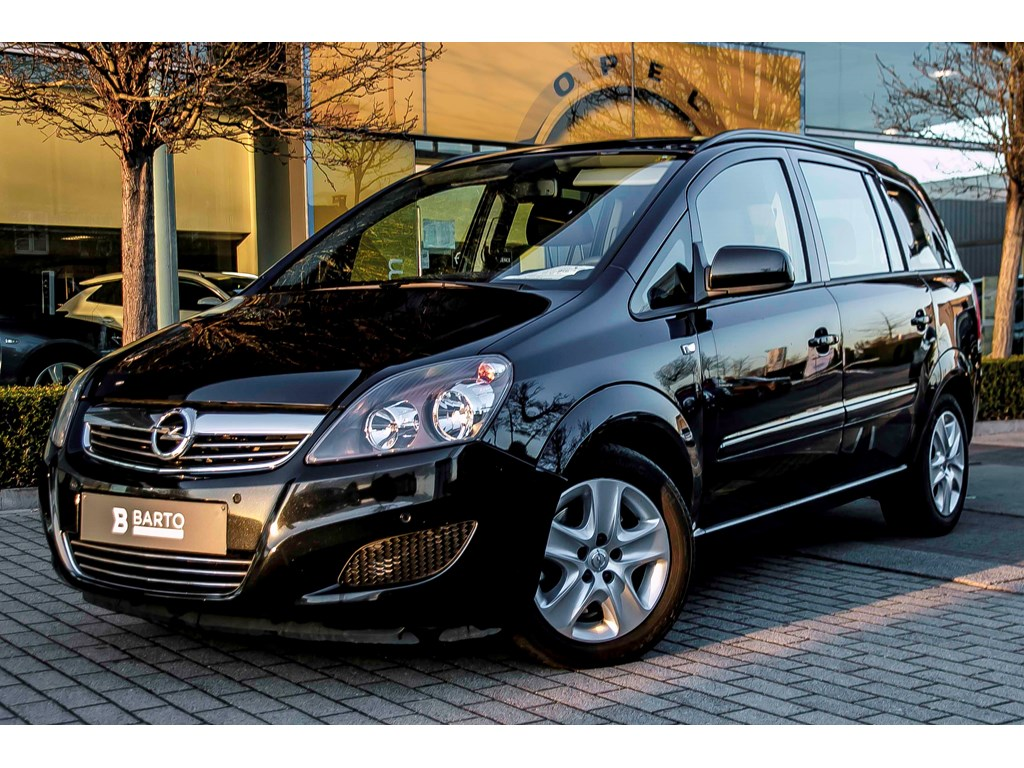 Tweedehands te koop: Opel Zafira Zwart - 17d 110pk - Auto Airco - 7zit - Parkeersens va -