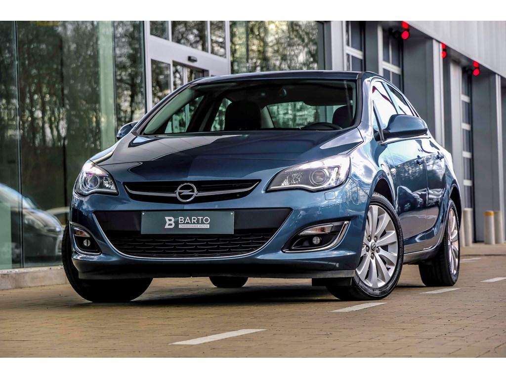 Tweedehands te koop: Opel Astra Blauw - 14b 140pk - Navi - Auto Airco - Leder - Weinig km - Bluetooth -