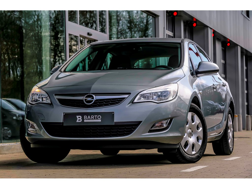 Opel Astra Zilver - 1.7d (110pk) - Auto. Airco - Auto. verlichting ...