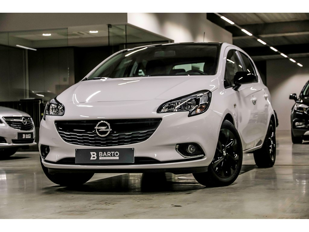 Opel-Corsa-Wit-5-Deurs-Black-Edition-14-Benz-90pk-intellilink-Radio-Weinig-Kms