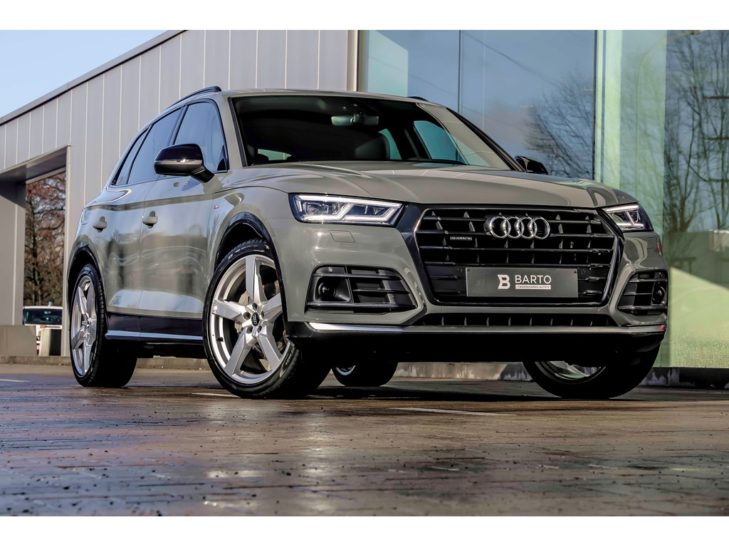 Audi-Q5-New-Grijs-RS-zetels-Luchtvering-Black-Edition-21-wielen-Adapt-CC-Full-LED-Demo