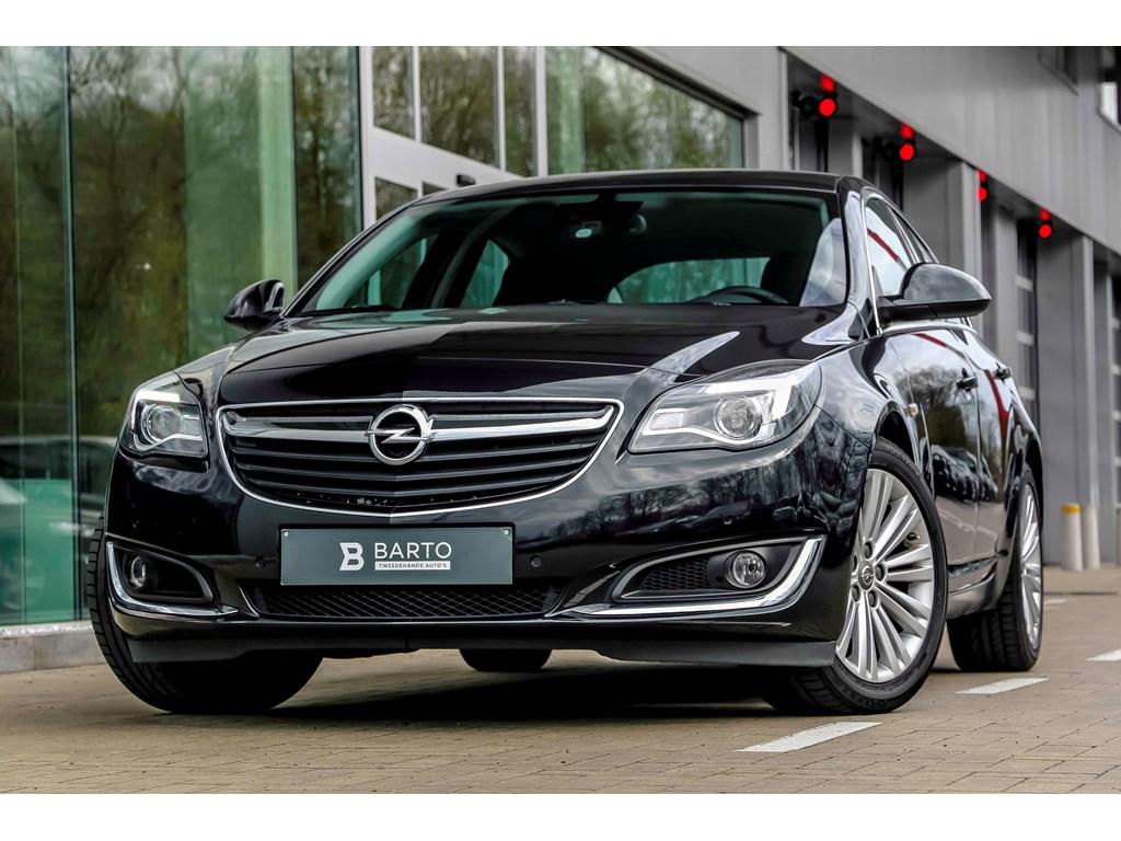 Tweedehands te koop: Opel Insignia Zwart - 16d 136pk - Erg Leder - Auto Airco - Bluetooth - Navi - Parkeersens -