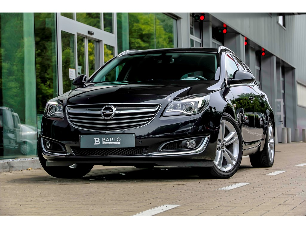 Tweedehands te koop: Opel Insignia Zwart - 20d 140pk - Xenon - Erg Leder - Auto Airco - Bluetooth -