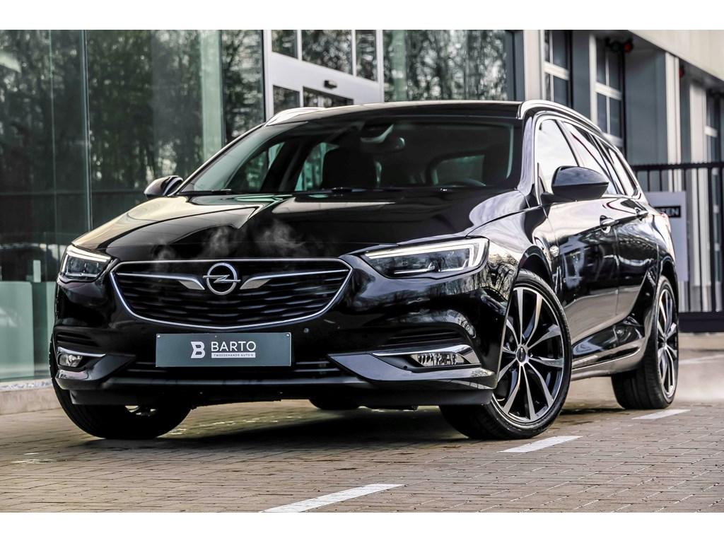 Tweedehands te koop: Opel Insignia Zwart - 15T 165pk Automaat - Innovation - Camera - 19 wielen - Matrix LED -