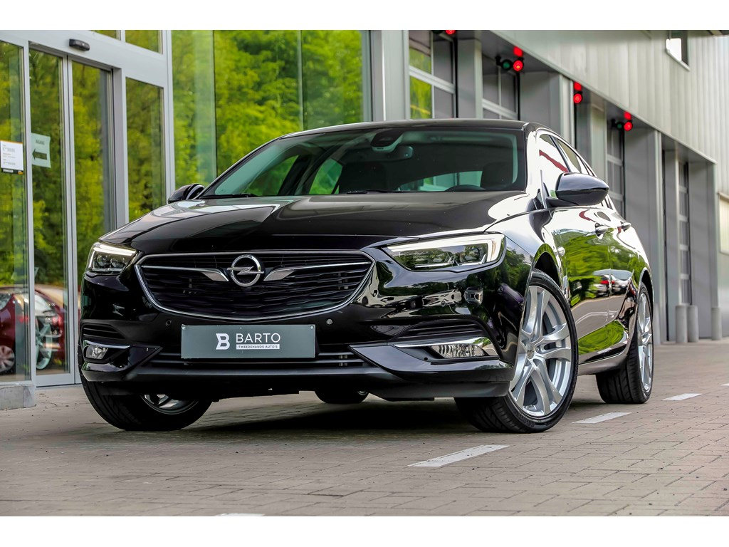 Tweedehands te koop: Opel Insignia Zwart - 16d 136pk - LED Matrix - Leder - Navi - Auto Airco -