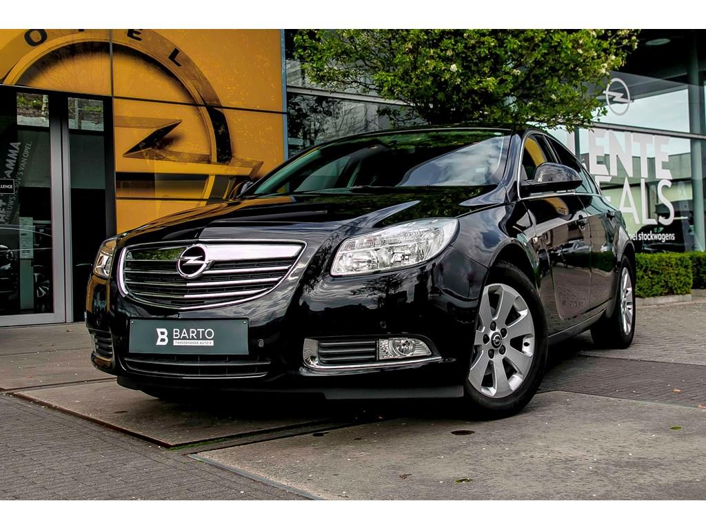 Tweedehands te koop: Opel Insignia Zwart - 20d 130pk- 5d - Navigatie - Parkeersens - Auto Airco -