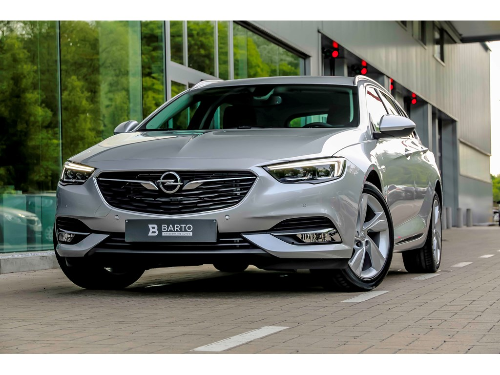 Tweedehands te koop: Opel Insignia Zilver - 15b 165pk - Automaat - LED Matrix - Keyless - Verwarmd stoelstuur -
