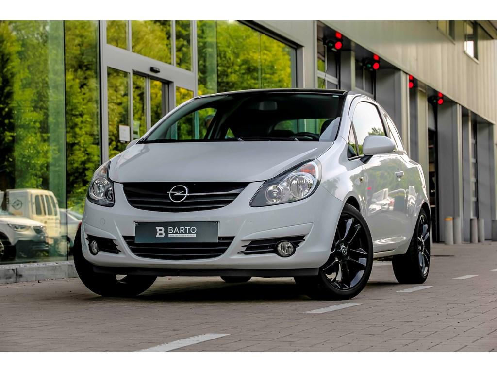 Tweedehands te koop: Opel Corsa Wit - 13d 95pk - Black Edition - Airco - 17 -1 jaar volledige garantie -