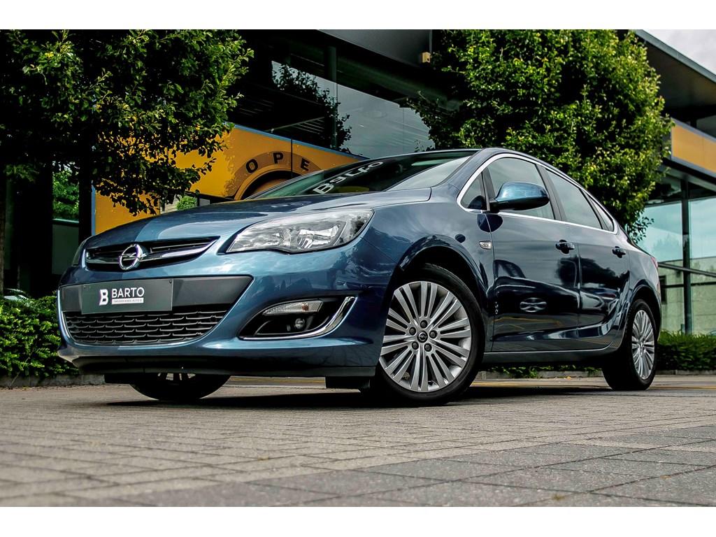 Tweedehands te koop: Opel Astra Blauw - Sports Sedan 4 deurs 13 CDTi 95pk Cosmo - Navi - Elektr Airco -
