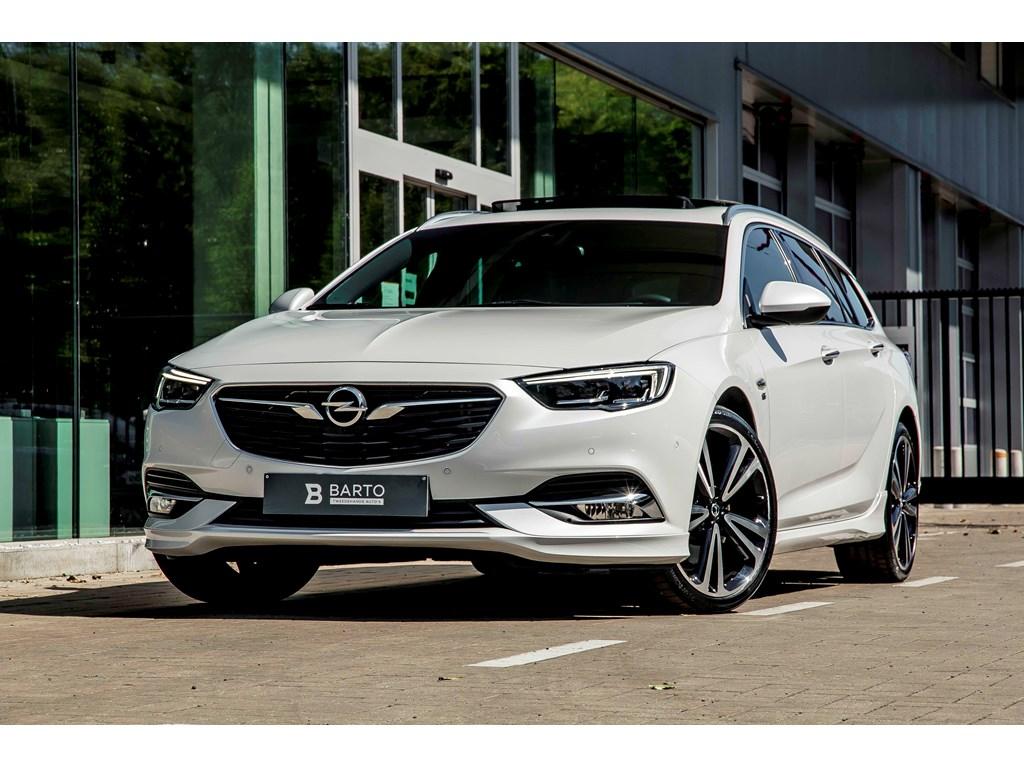 Tweedehands te koop: Opel Insignia Wit - 20b 250pk - 4x4 - Automaat - Full Option - Weinig kms