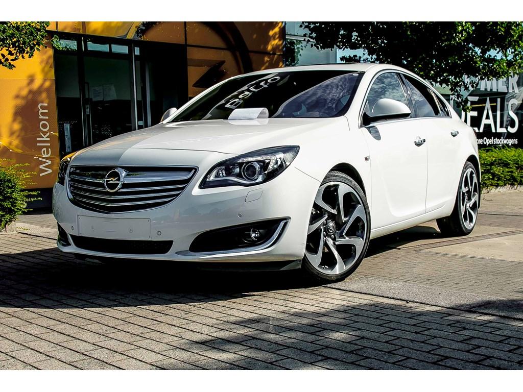Tweedehands te koop: Opel Insignia Wit - 20d 140pk - 5d - Navi - Camera - Trekhaak - Leder - 20