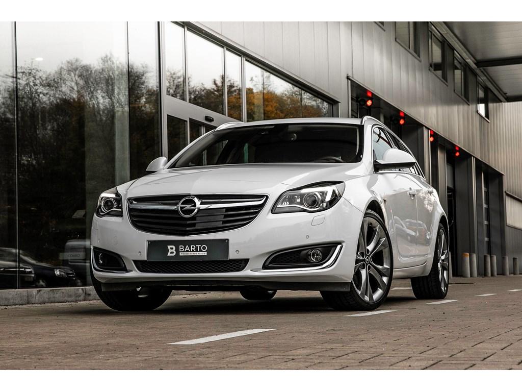 Tweedehands te koop: Opel Insignia Wit - 20d 140pk - Xenon - 20 - Adaptive Cruisectrl - Offlane - Camera -