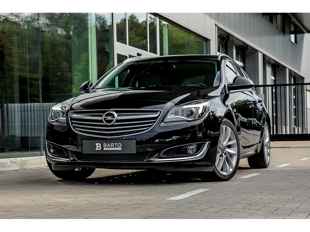 Tweedehands te koop: Opel Insignia Zwart - 20d 140pk - Erg Leder - Xenon - Camera - Dodehoek -
