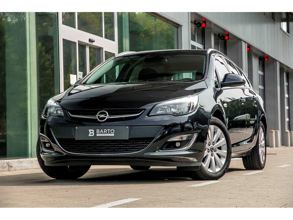 Tweedehands te koop: Opel Astra Zwart - 16b Turbo 180pk - Navigatie - Parkeersens achter - Auto Airco - Trekhaak
