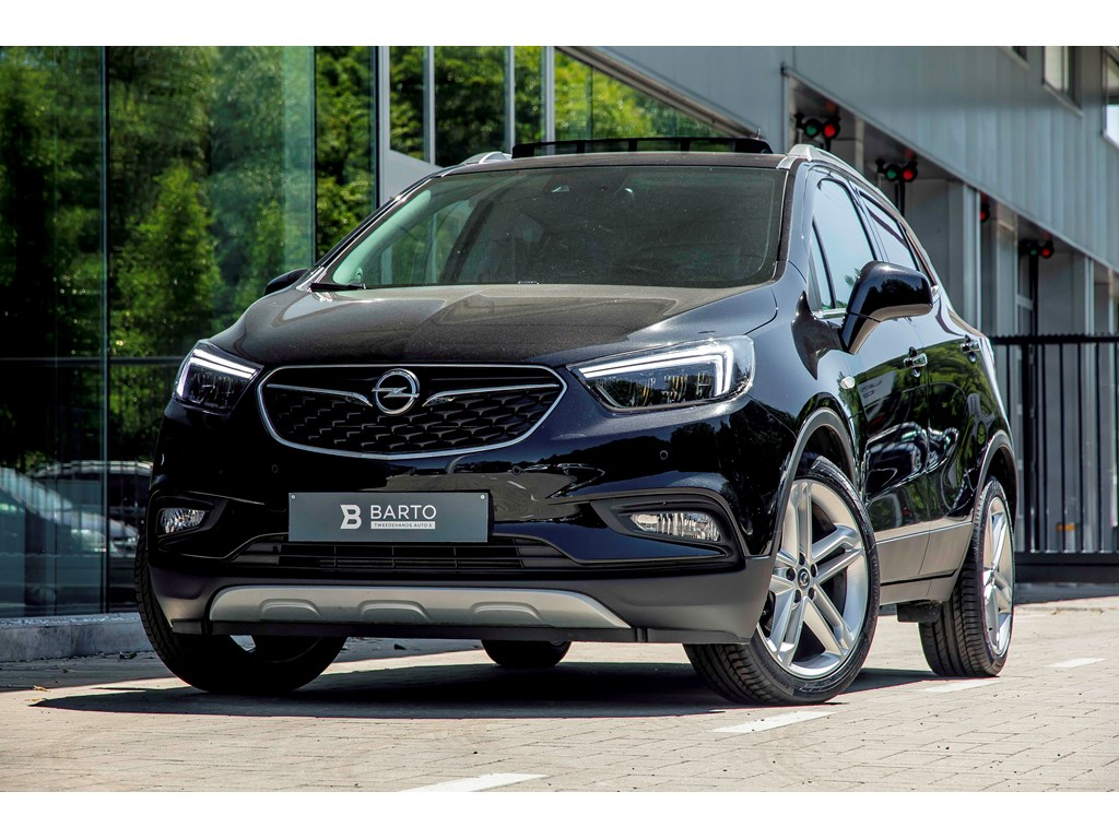 Opel-Mokka-Zwart-14b-140pk-LED-matrix-Leder-Camera-Schuifdak-