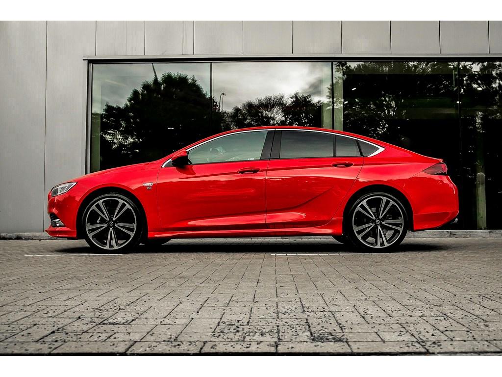 Tweedehands te koop: Opel Insignia Rood - 20b 260pk - Automaat - LEDmatrix - 360 camera - OPCline -