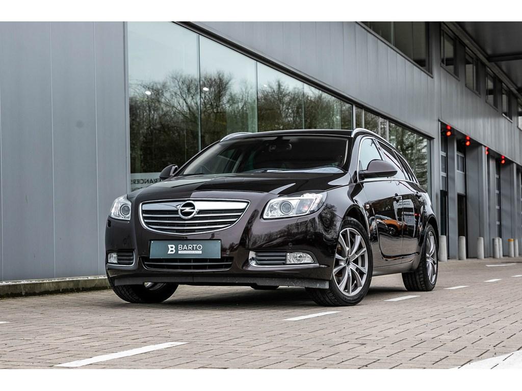 Tweedehands te koop: Opel Insignia Bruin - 20d 130pk - Xenon - Leder - Afn Trekhaak - Navi - Parkeersens -