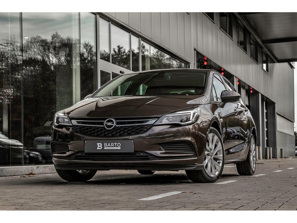 Tweedehands te koop: Opel Astra Bruin - 16d 110pk - Airco - Parkeersensoren - Auto Lichten - Regensens -