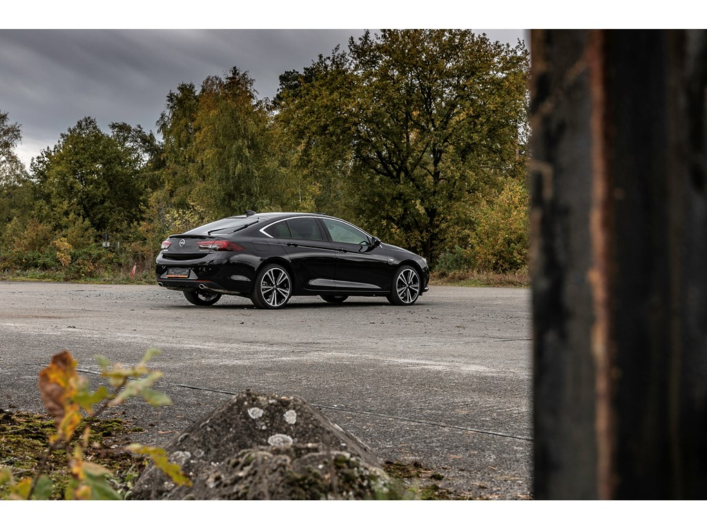 Tweedehands te koop: Opel Insignia Zwart - 20 Benz Turbo 260pk - 20 - LEDmatrix - 360 camera - Adaptive Cruisectrl -