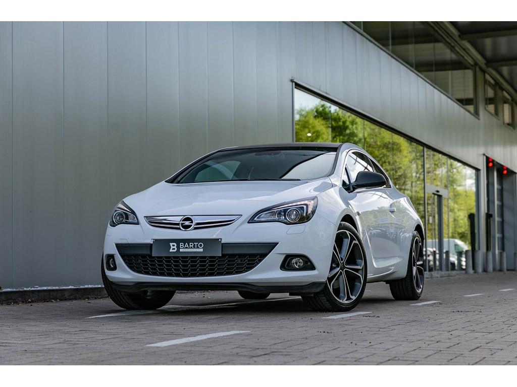 Tweedehands te koop: Opel Astra Wit - GTC 14b 120pk - Navi - Auto Airco - Xenon - 20