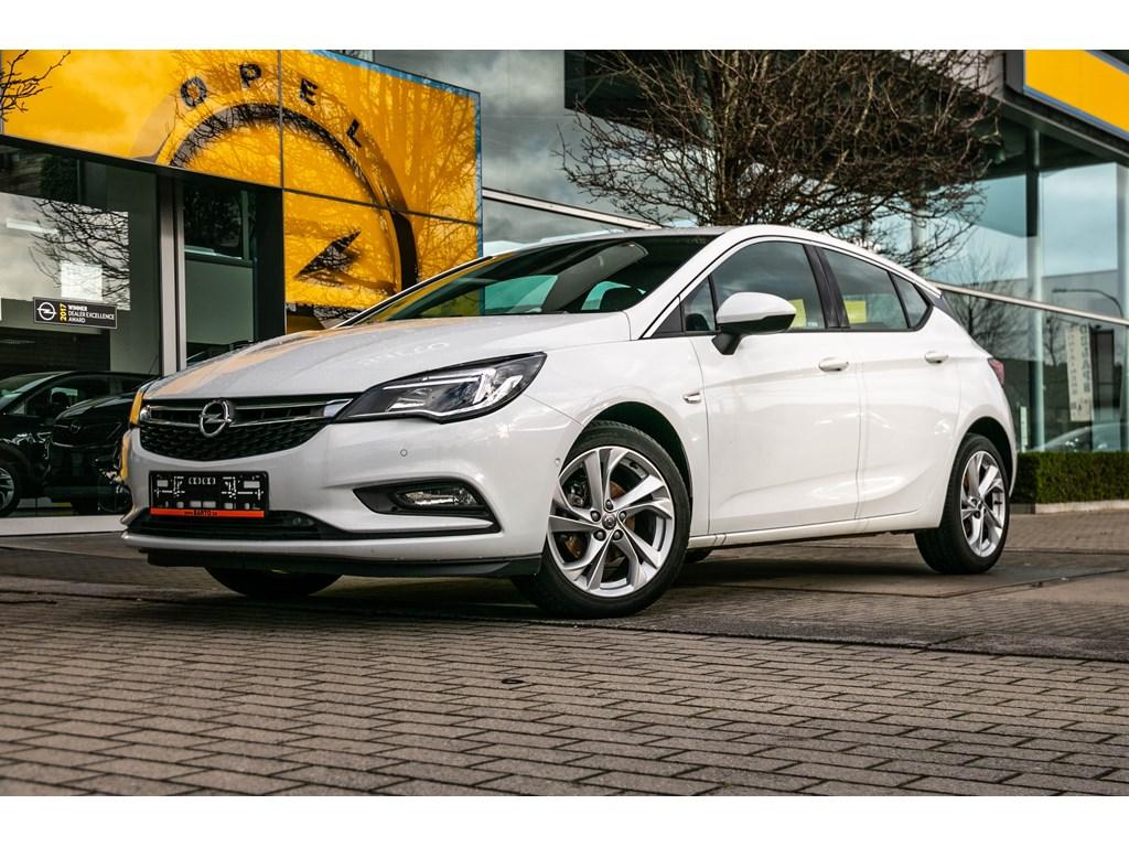 Tweedehands te koop: Opel Astra Wit - 14b 125pk - Dode Hoek - Navi - Achteruitrijcamera -