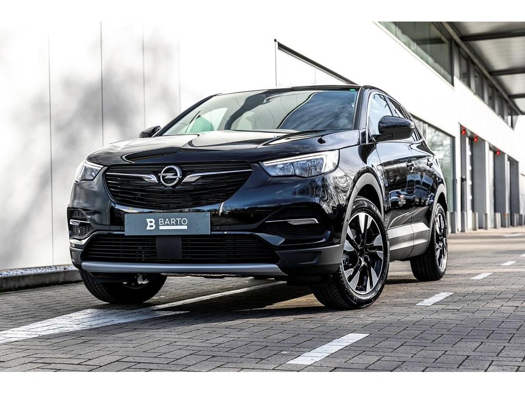 Tweedehands te koop: Opel Grandland X Zwart - Innovation 12 Turbo benz Manueel 6 versnellingen StartStop - 130pk 96kw - Nieuw